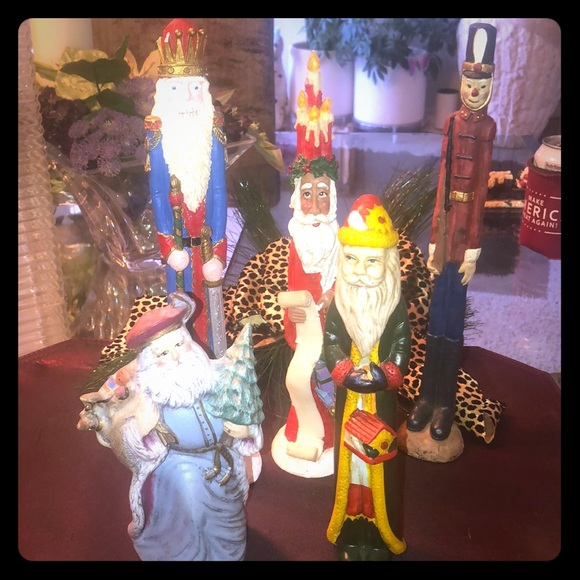Other - 5 Piece Santa's and a Soldier🎄🎄🎄